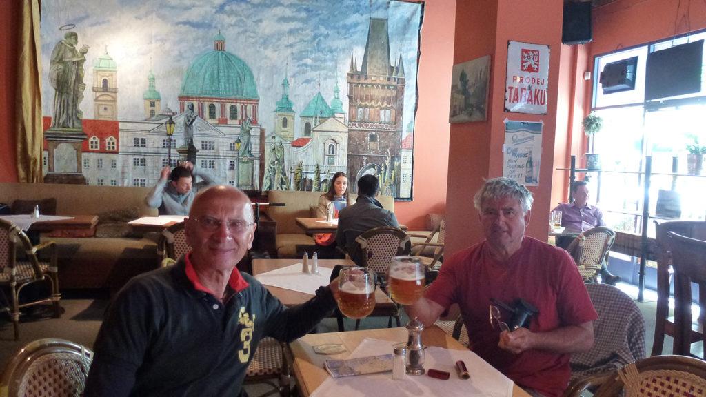 S Vláďou v české restauraci Café Prague u plzně.