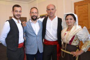 Primátor Tomáš Macura s členy italského souboru Le Tradizioni Minturno.